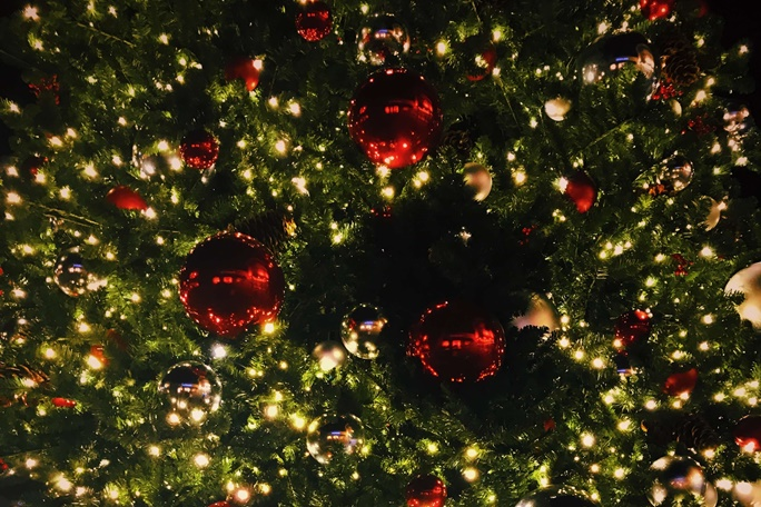 božićni ukrasi na jelki