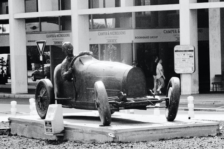 Spomenik starog modela automobila - formule u muzeju