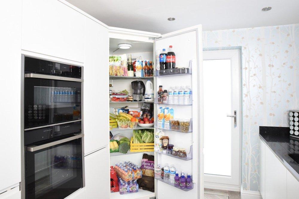 frižider-kuhinja-ugradna-rerna